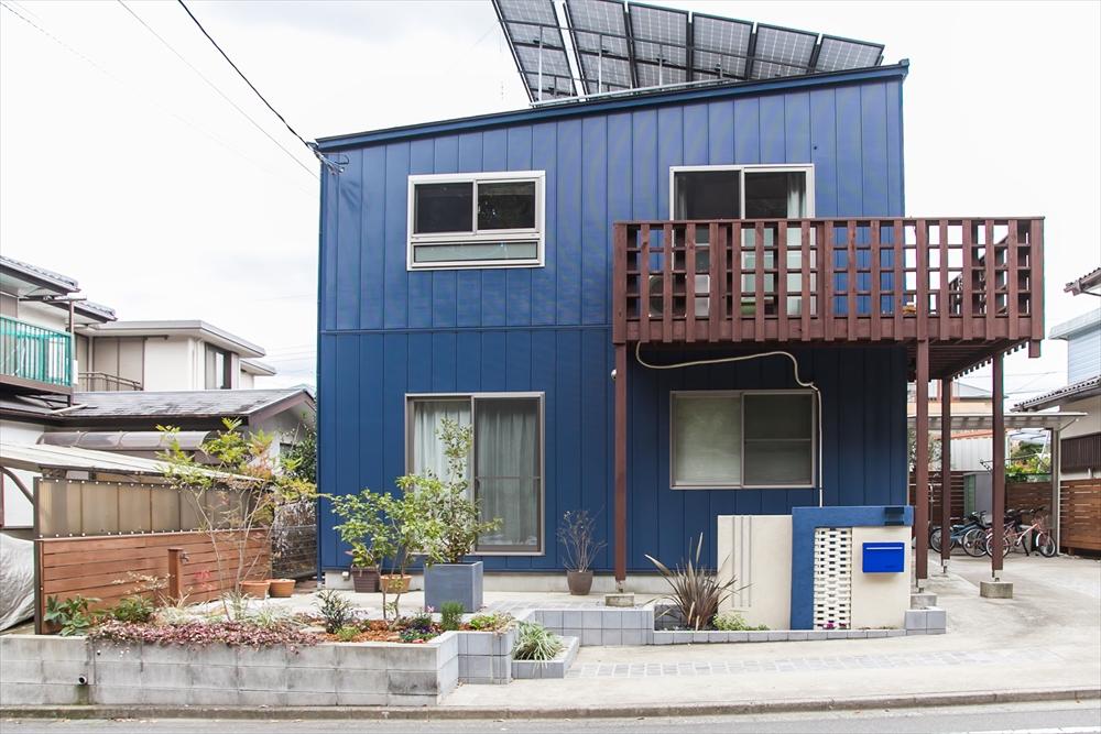 建物とマッチしたアプローチ&ガーデン
