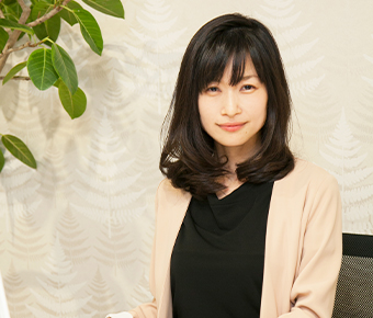 秋葉 佳子
